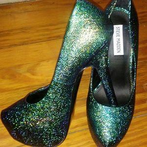 Steve madden dejavue mermaid irridescent heels
